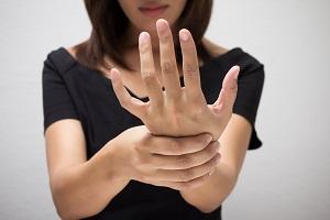 手の痛み・シビレ